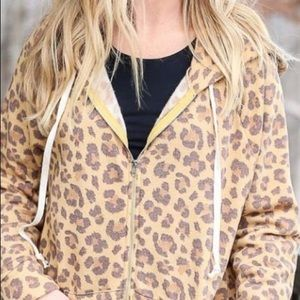 "NEW! ""Elise"" Leopard Lightweight Fleece Jacket. M"